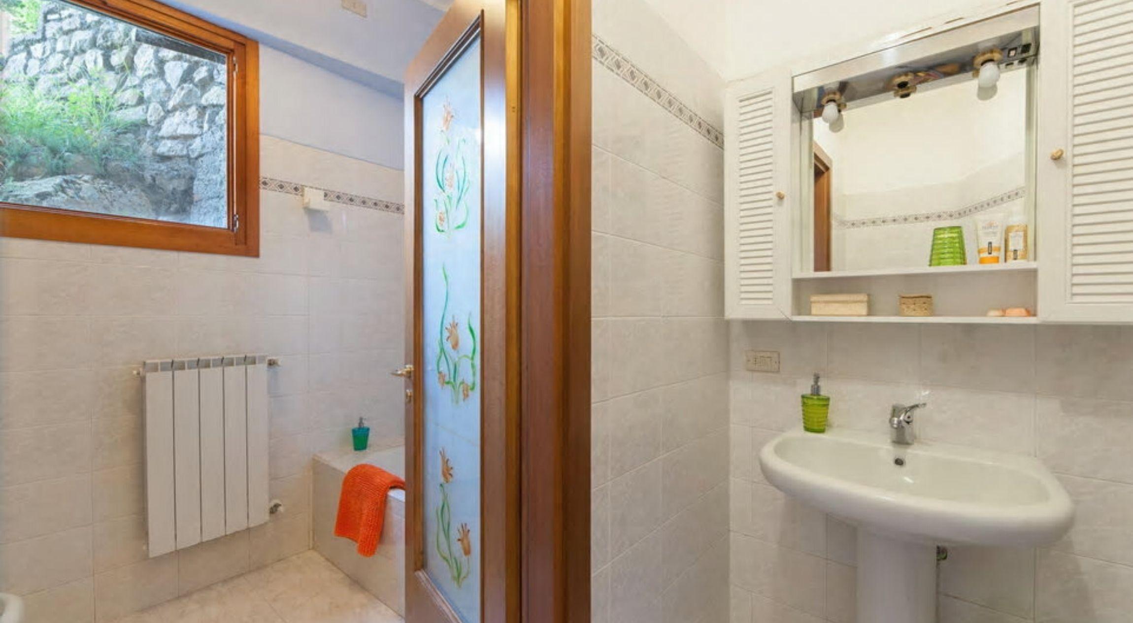Bagno della camera Peperoncino