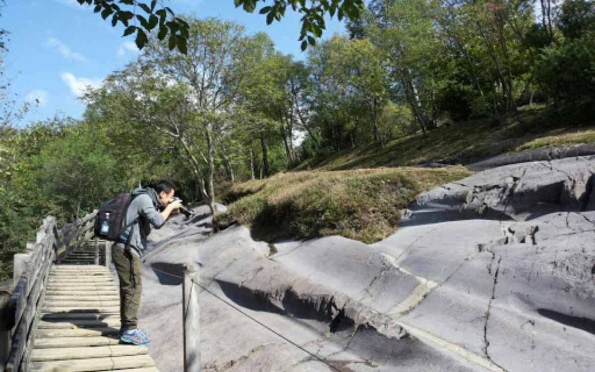 Incisioni rupestri patrimonio UNESCO di Valle Camonica: la Grande Roccia del Parco di Naquane