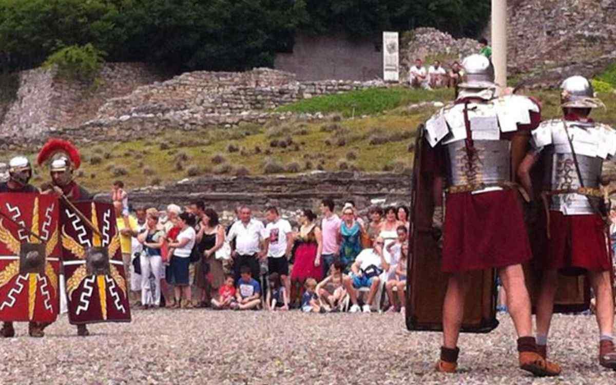 Civitas Cammunorum: Panem at Circenses
