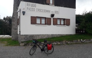 Bienno passo Crocedomini con road bike