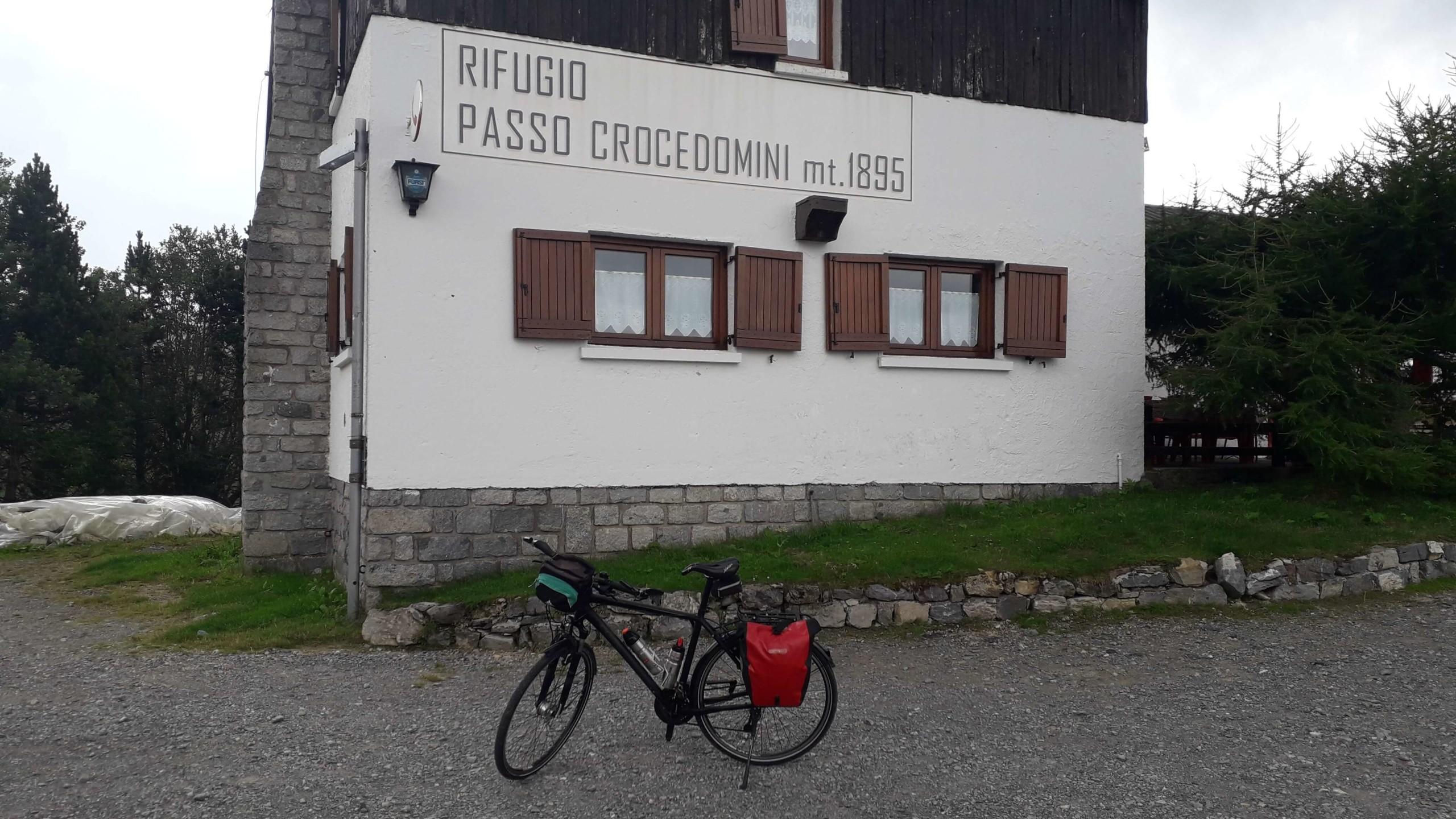Bienno passo Crocedomini con road bike
